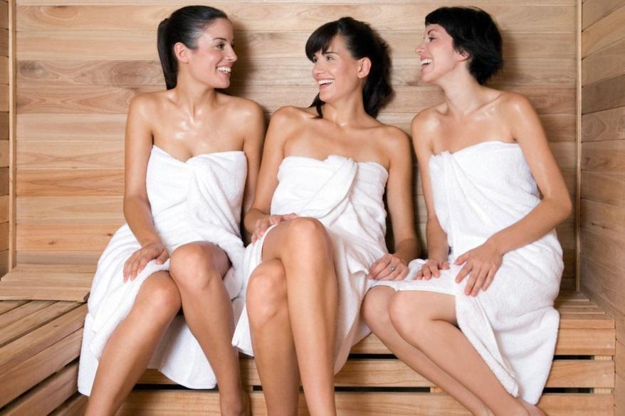 С мамиными подругами в бане смотреть онлайн 5 фотография