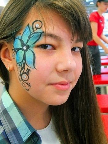 Цветы аквагрим на лице