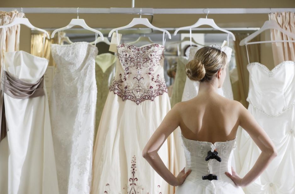 Ремонт и химчистка свадебных платьев