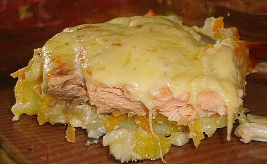 Горбуша в сметанном соусе - рецепт с фото
