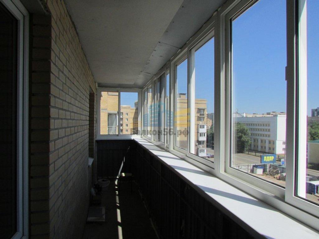 Остекление балконов пластиковым профилем купить или заказать.