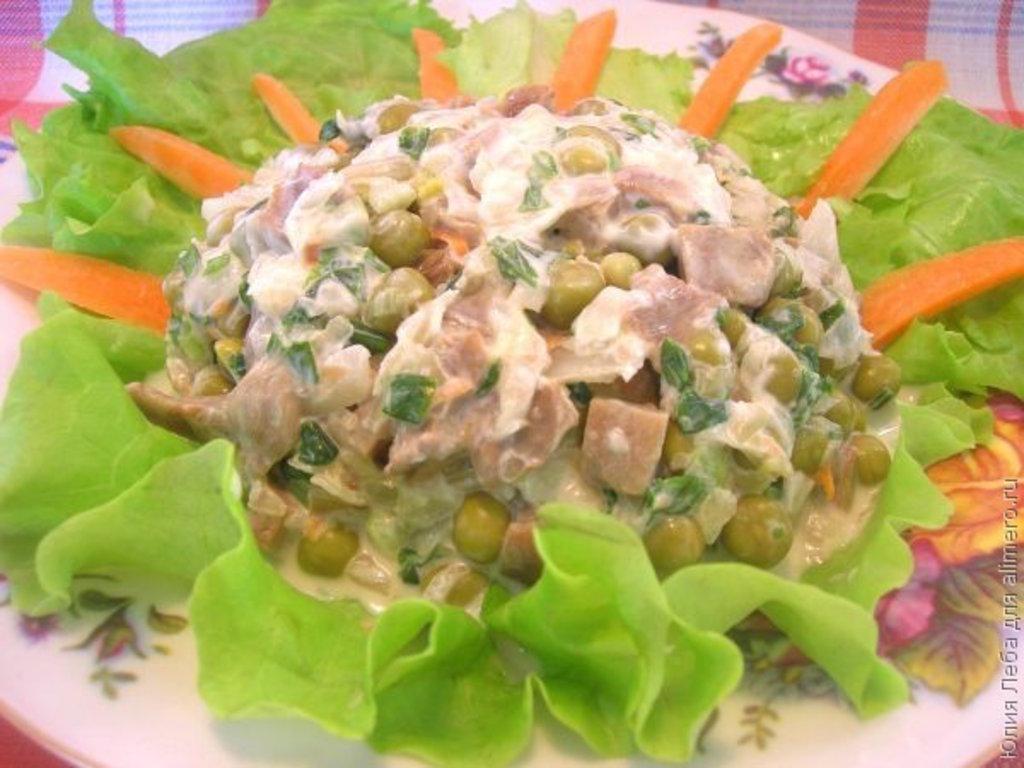 Салат деревенский рецепт с курицей и грибами