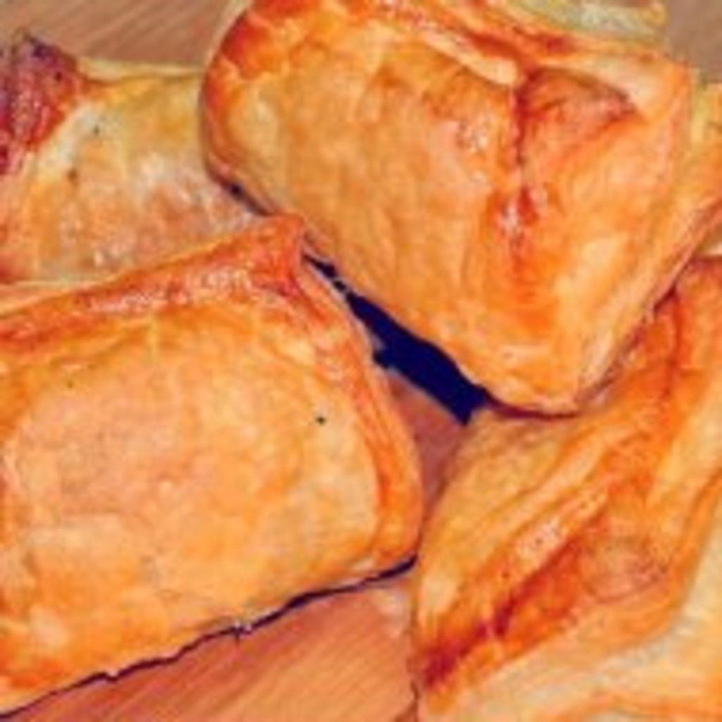 пирожки слоеные с капустой в духовке