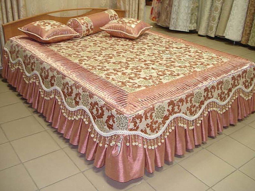 Покрывало и шторы для спальни своими руками 24