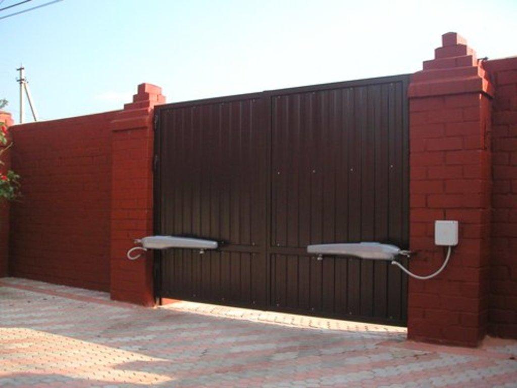 Мы изготавливаем распашные ворота ворота металлические тосно