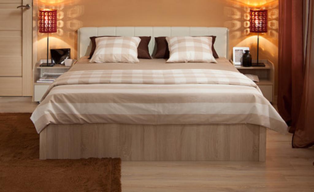 Кровать с механизмом двуспальная недорого с матрасом