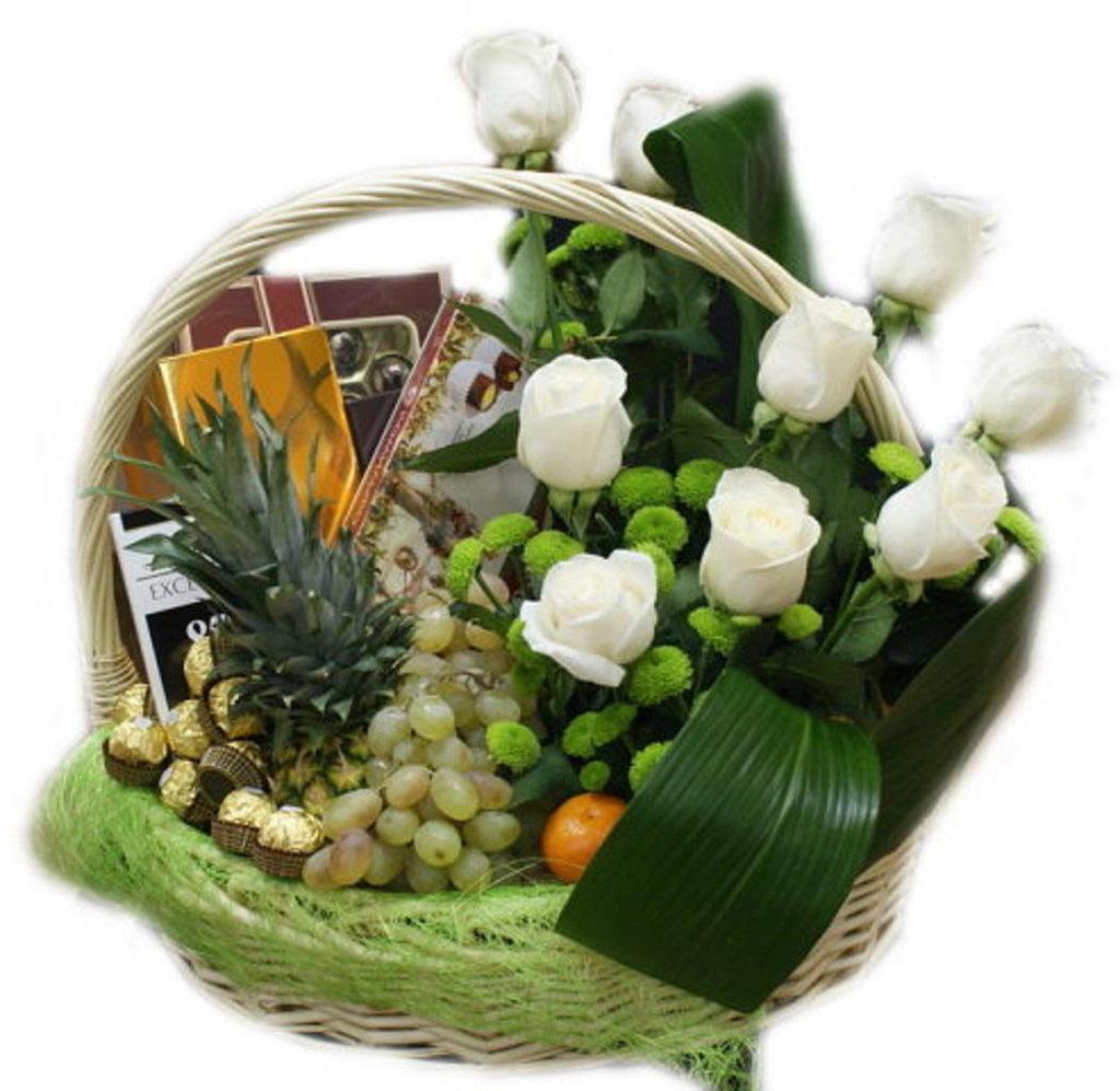 Фото подарочных корзин с цветами 177