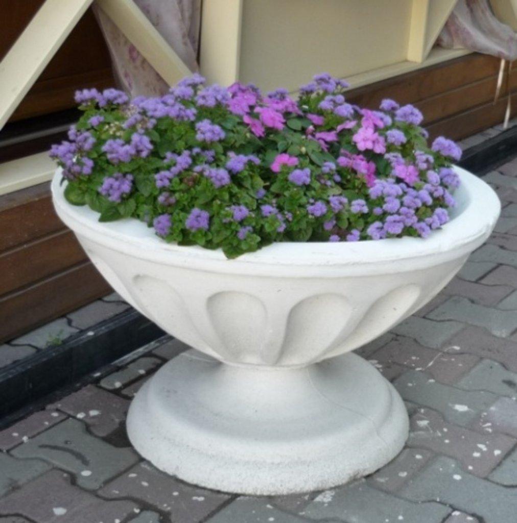 Купить вазоны бетонные для цветов