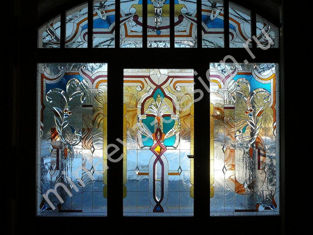 двери окна витраж входная группа