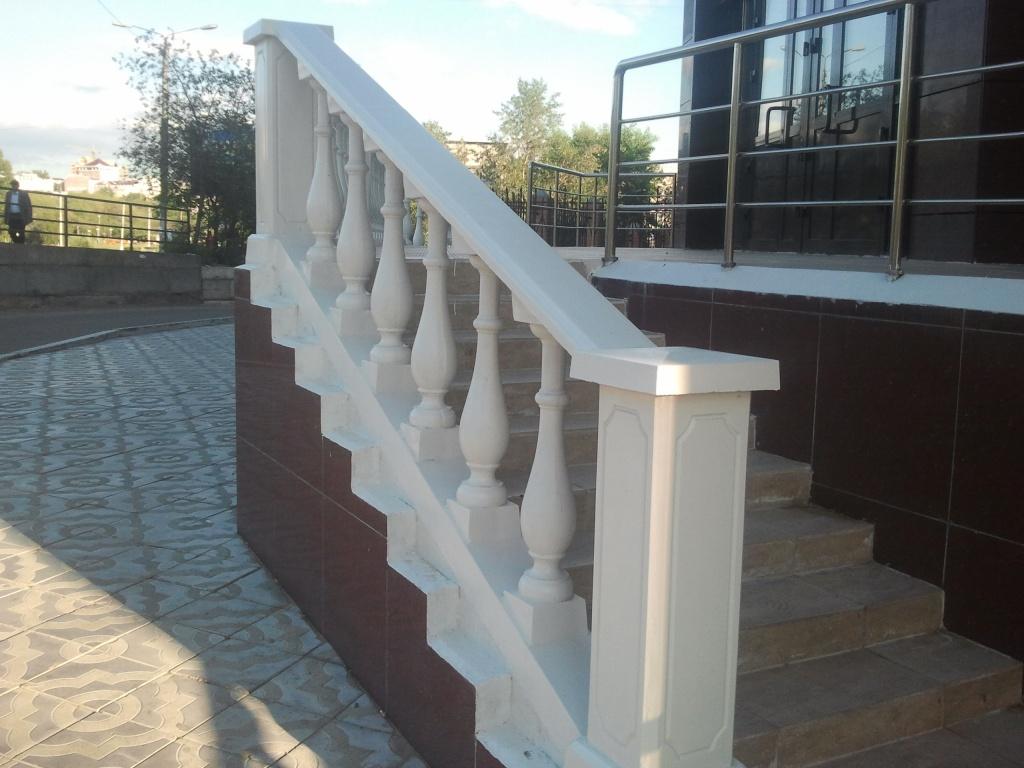 Балюстрада (балясины), ограждение балконов, лестницы, перила.