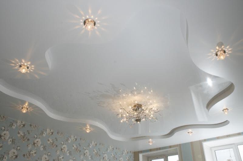двухуровневые натяжные потолки в Красноярске