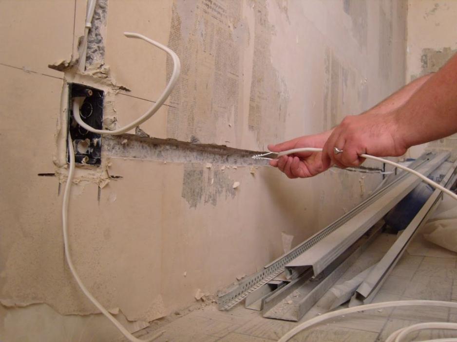 Беспыльное и качественное штробление стен