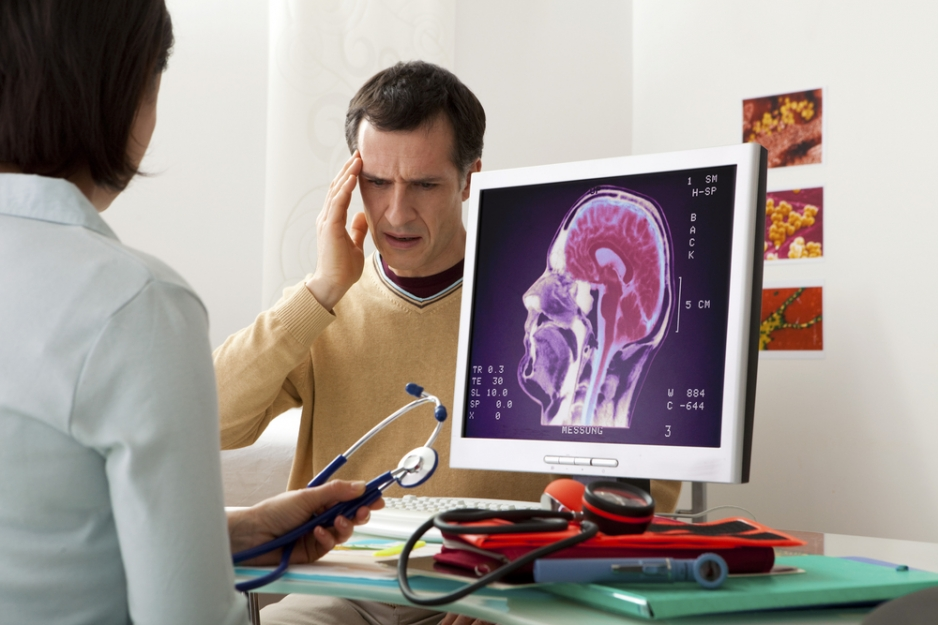 невролог