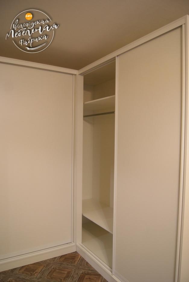 Шкаф купе цвет белая шагрень