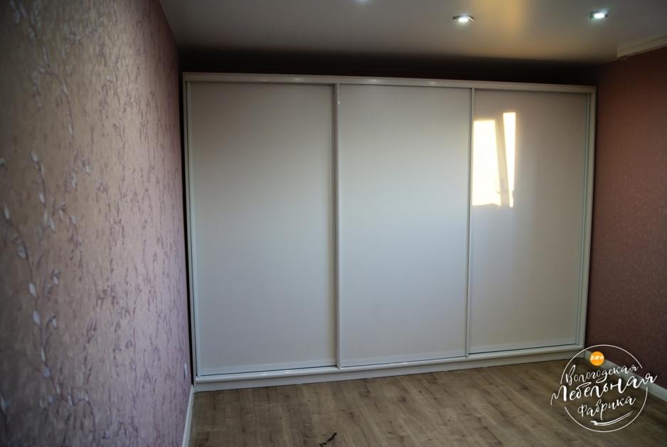 Шкаф купе белый мат