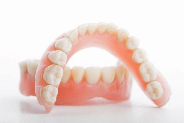 Съёмное протезирование зубов в Череповце