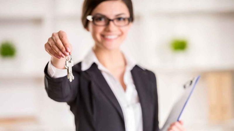 женщина с ключами