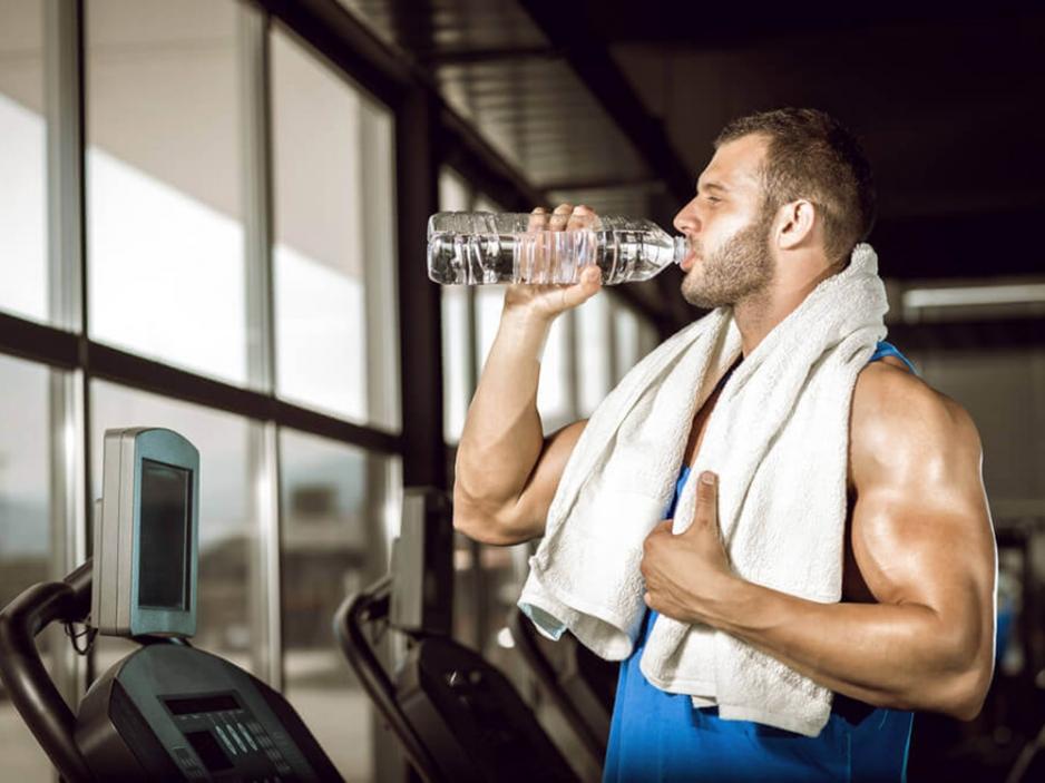 Как правильно пить воду во время тренировки