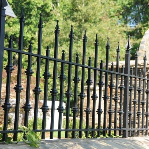 кованный металлический забор