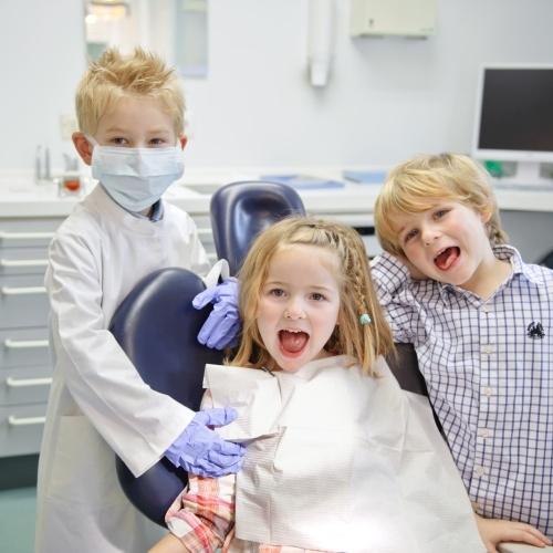 игра в стоматологию, врачи и пациент