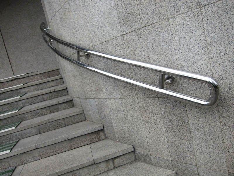 пристенные поручни для лестницы на заказ