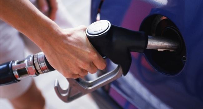 поставщик бензина